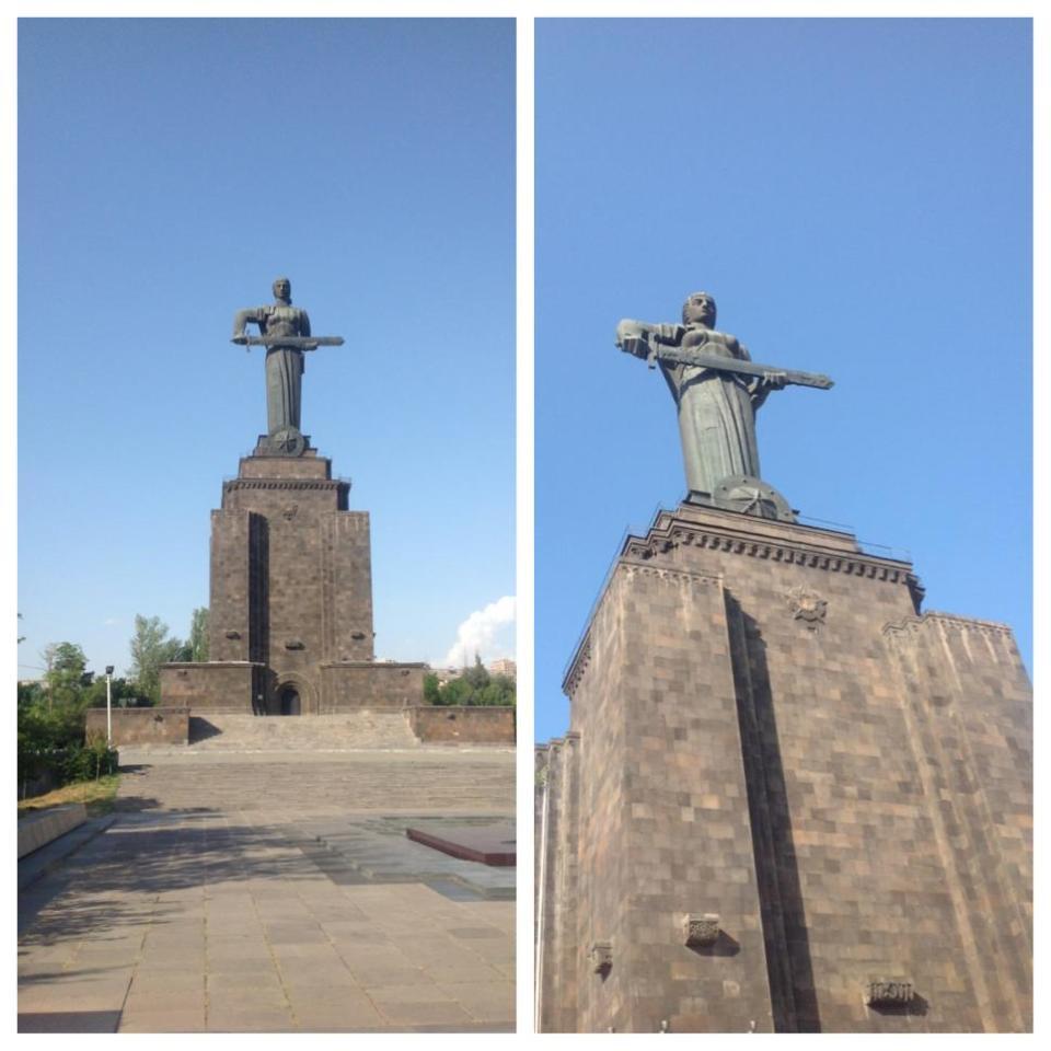 """Мать-Армения возвышается над городом. Установлен в парке """"Ахтанак"""". Интересен тот факт, что изначально на постаменте был установлен памятник Иосифу Сталину."""