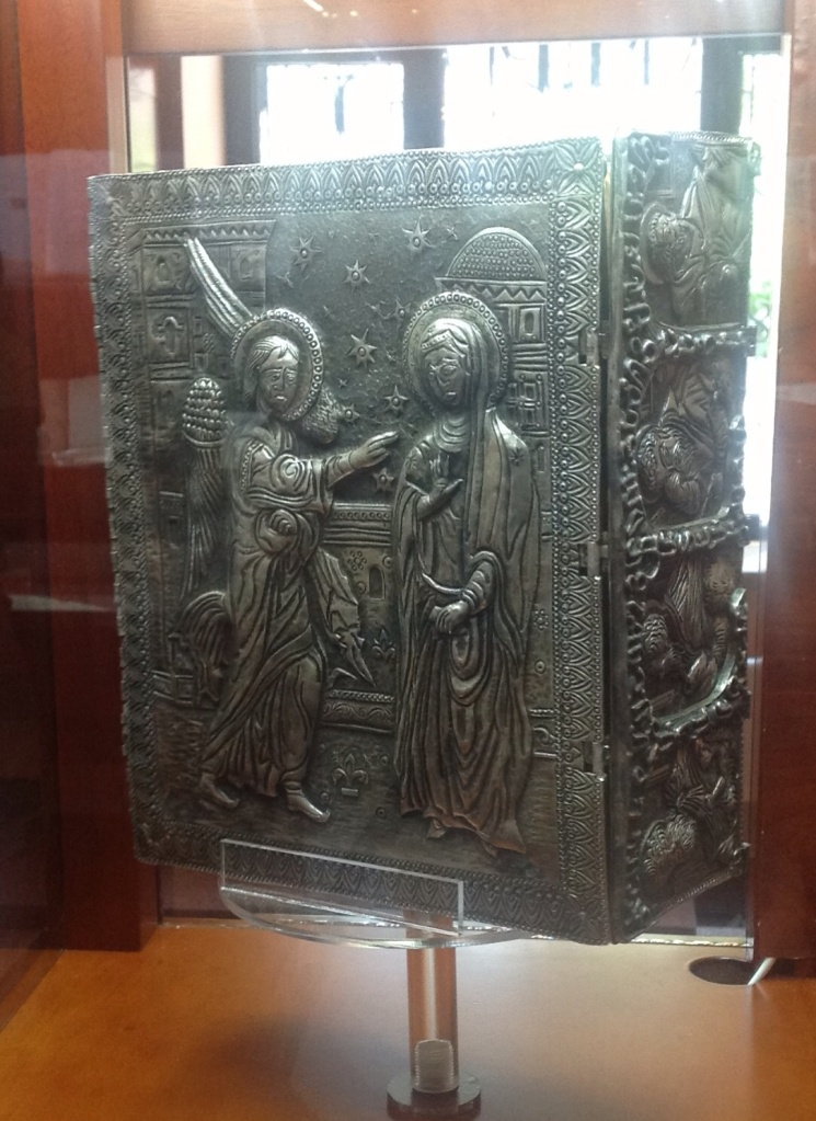 Экспонаты в Матенадаране