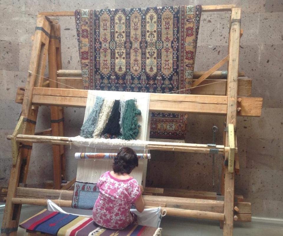 Ковроткачество - одно из традиционных армянских ремесел.