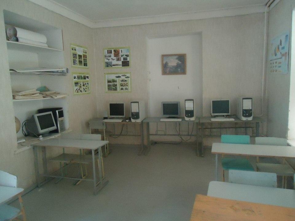 Школа в селе Карчеван